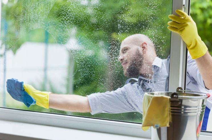 limpiar-cristales-fijos-por-fuera