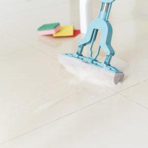 limpieza-suelo-colegio